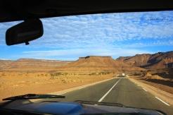 Sur la route entre Terjit et Atar. CRÉDIT : NORA SCHWEITZER