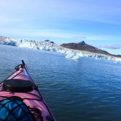 Vue sur le glacier de Svea depuis le kayak