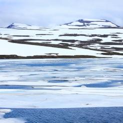 Lac gelé sur la route entre Egilsstaðir et Seyðisfjörður