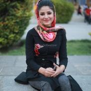 Jeune Iranienne sur la place Naghsh-e Jahan à Ispahan